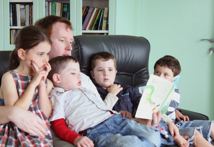 Cómo ayudar a tus hijos a convertirse en grandes lectores desde pequeños