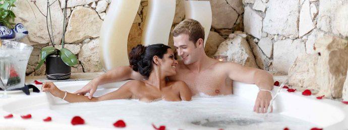 Los 12 Mejores Resorts Nudistas del mundo en los que podrás olvidarte de la ropa por completo