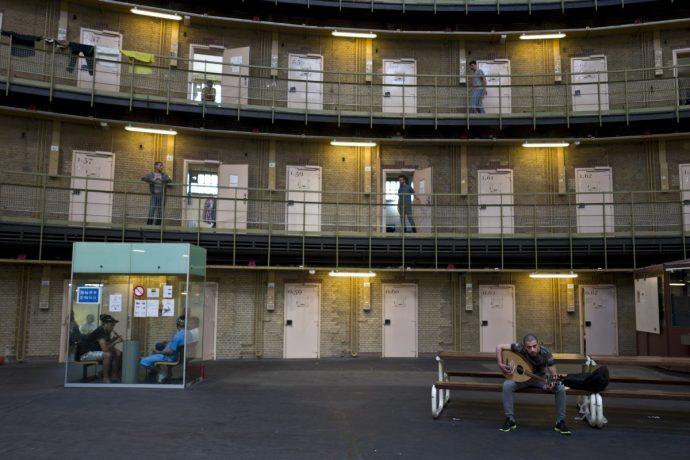 Prisiones holandesas abandonadas están siendo utilizadas como viviendas para los refugiados