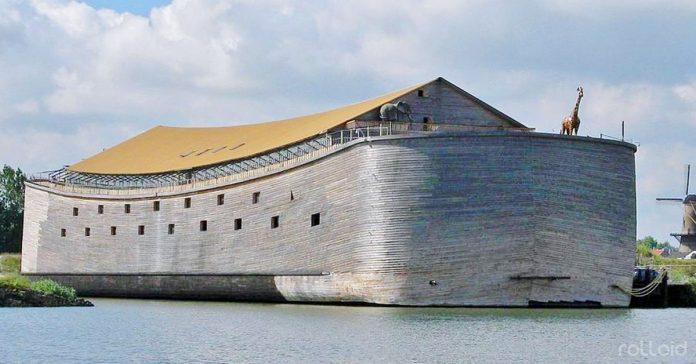 un millonario construye una enorme arca durante veinte anos banner