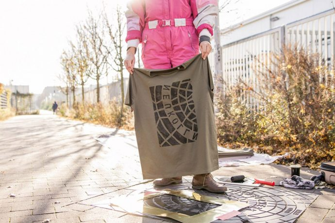 Este colectivo imprime diseños en ropa y accesorios directamente de las calles