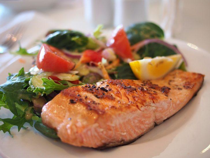 Un estudio asegura gracias a un experimento que podríamos combatir la artritis gracias al pescado