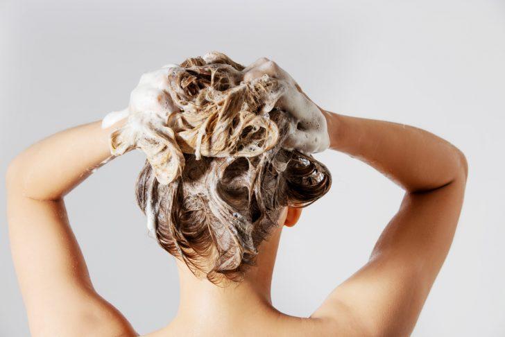 Cómo hidratar y aportarle brillo al cabello para tener una melena perfecta