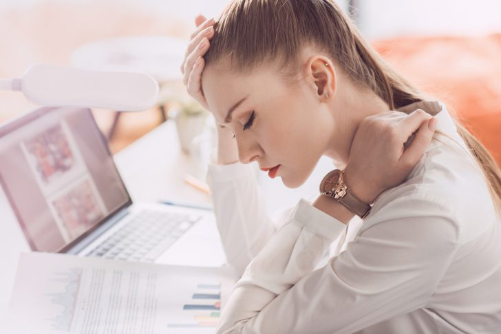 12 Puntos que puedes presionar en tu cuerpo para deshacerte del cansancio y la fatiga
