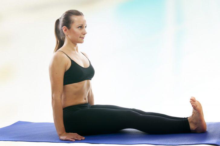 9 Posturas de Yoga para aliviar la Ciática en 15 minutos