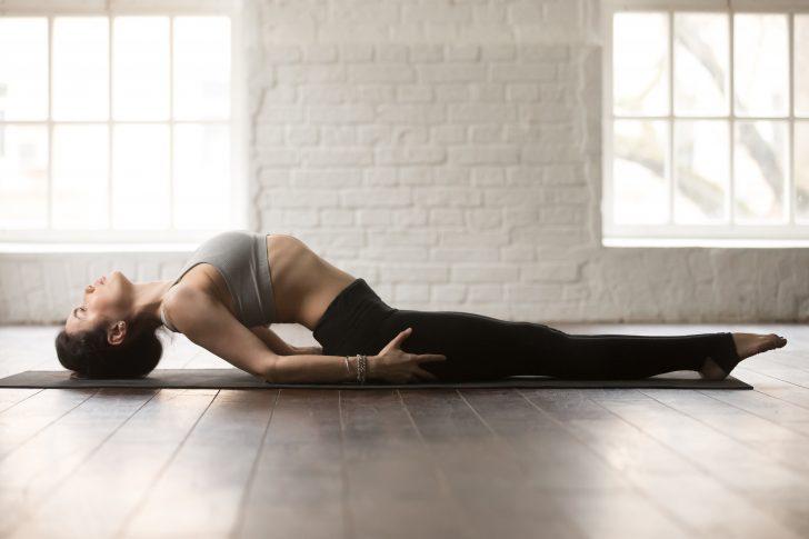 haz estos 10 movimientos antes de acostarte para cambiar la manera en que duermes 08