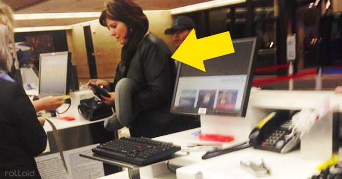 imagen mujer comprando billete avion viral banner