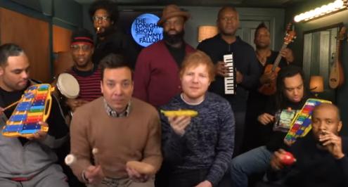 Ed Sheeran y Jimmy Fallon interpretan 'Shape Of You' con instrumentos de juguete y te encantará cada segundo del vídeo
