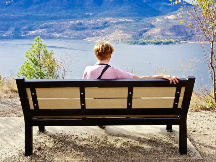 La forma en la que te sientas revela mucho de tu personalidad