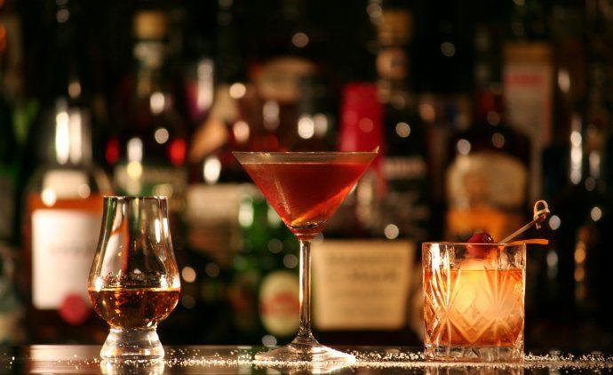 Mezclar bebidas energéticas con alcohol es tan malo como la cocaína