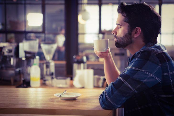 Si eres de los que beben toneladas de café, la ciencia tiene buenas noticias para ti