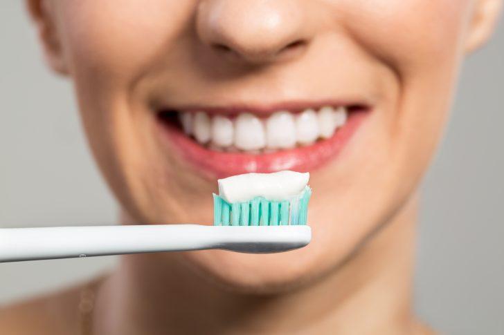 sintomas de un absceso dental y como tratarlo en caso de emergencia 08