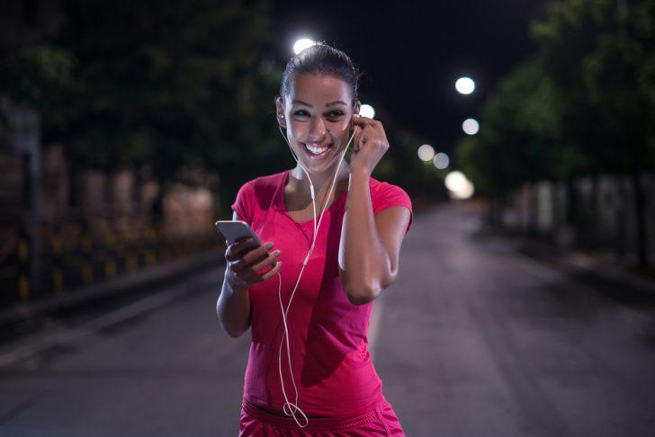 5 Trucos fáciles y sencillos para perder calorías por la noche y sin hacer apenas esfuerzo
