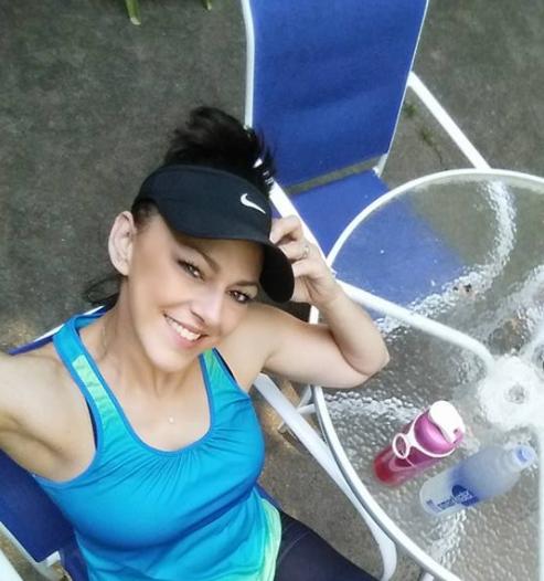 Una mujer de 41 años muere repentinamente después de sufrir un fuerte dolor de cabeza