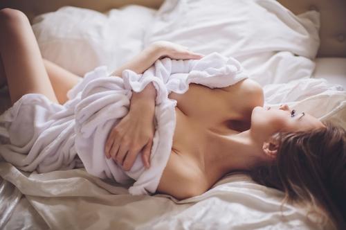 mujer sexy en la cama