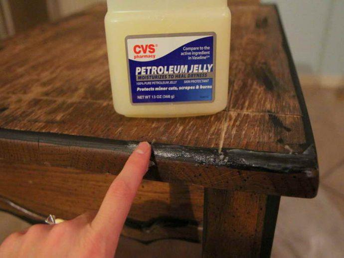 Los 14 Mejores trucos para eliminar los golpes y arañazos de tus muebles de madera