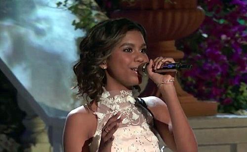 Una concursante de La Voz canta una canción y deja a todo el mundo emocionado