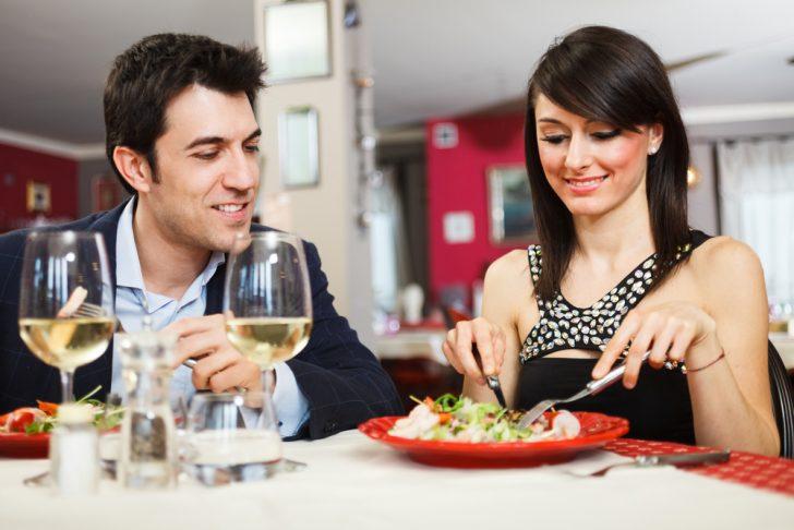 Los 7 Mejores platos que debes pedir para no arruinar la primera cita