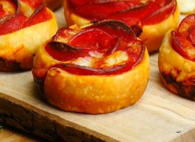como preparar pizza de pepperoni con forma de rosa 153252