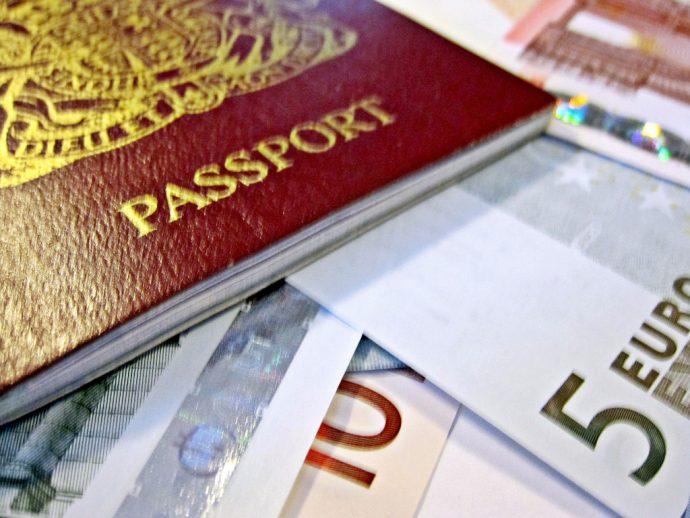 cosas que siempre debes llevar en tu maleta de mano 1500880767
