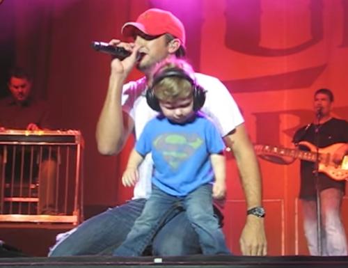 Luke Bryan sube a su hijo al escenario en su último concierto para demostrar que sus genes corren por sus venas