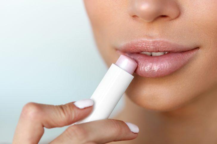 estos son los errores mas comunes que te producen sequedad en los labios 1