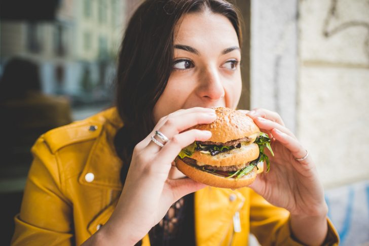 Los 9 Peores alimentos para perder peso y que deberías eliminar de tu dieta si no quieres ganar barriga