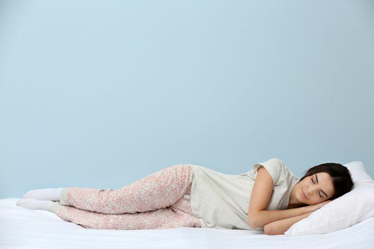 las posturas para dormir que acabaran con tus problemas de sueno 147829