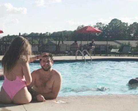le pidieron que abandonara la piscina porque su cuerpo era inapropiado 146897
