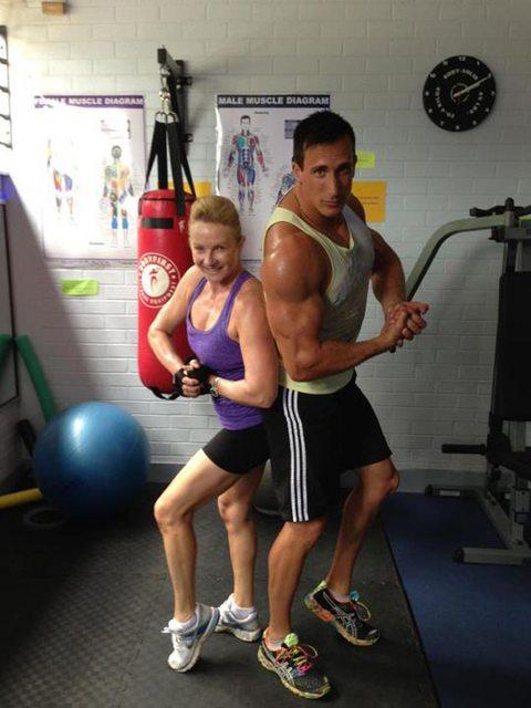 22 Musculitos a los que se les olvidó entrenar las piernas en el gimnasio