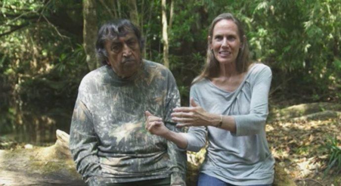 Pamela y Amil, la pareja que compró el último trozo de bosque y lo transformó para crear su propio paraíso