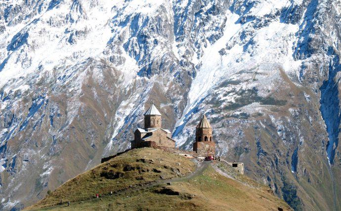20 de las Iglesias más extrañas y curiosas del mundo en las que llegar a ellas es toda una aventura
