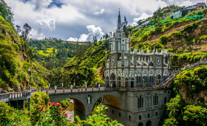 25 Maravillas de la arquitectura mundial que todo el mundo debería visitar una vez en la vida