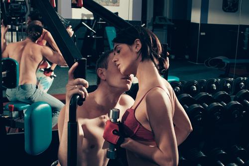 los lugares mas surrealistas para mantener relaciones sexuales gimnasio