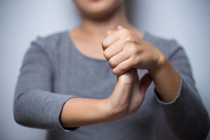 manos crujir articulaciones