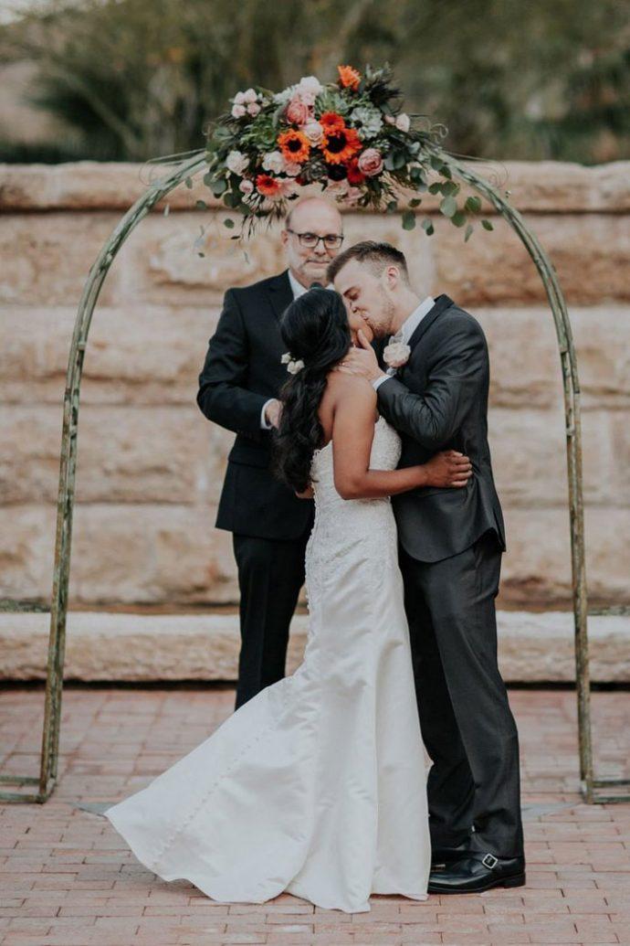 Laura y Matt, la curiosa historia que comenzó en preescolar y 20 años después acaban de casarse
