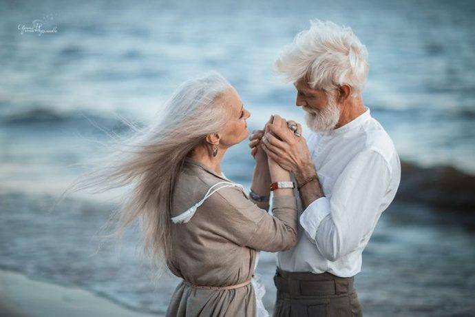 una fotografa rusa ha fotografiado a una pareja de ancianos para demostrar que el amor perdura en el tiempo 1502388827