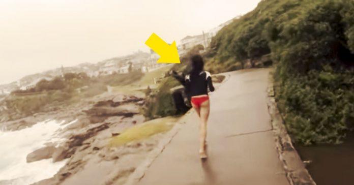 video de rayo que cae al lado pareja banner