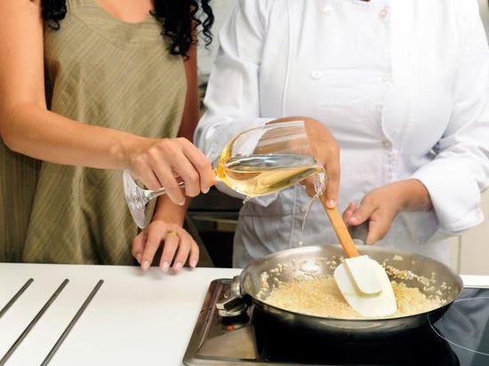 5 Cosas que todos hacemos en la cocina y que realmente son mitos que nos hemos creído durante años