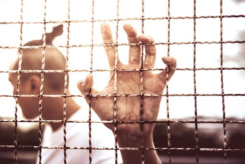 Se extiende por las redes la curiosa táctica de California para que sus criminales no vuelvan a delinquir tras la cárcel