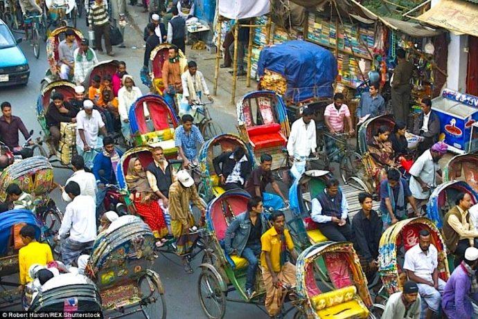 15 Imágenes que muestran el caos que se monta en hora punta en los 15 países con más tráfico del mundo