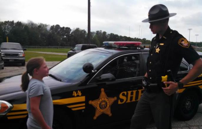 Gabrielle, la pequeña de 9 años que cumplió sus sueños después de venderle limonada a un oficial de policía