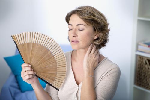 la bebida que te ayuda a aliviar los sintomas de la menopausia sofocos