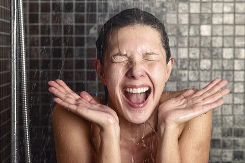 que es mejor ducharse por la manana o por la noche 167844