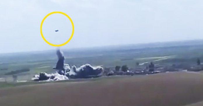 salta a las redes el video de un coche bomba suicida alcanzado por un misil banner