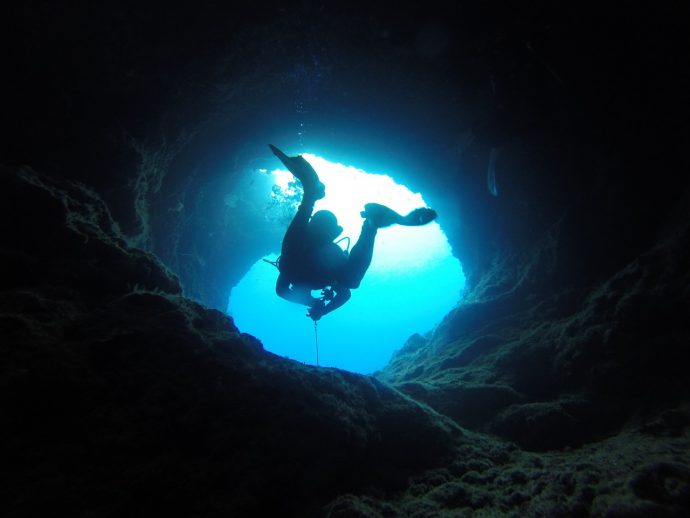 cave 1154294 1280