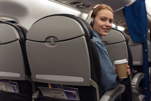 las cosas que nunca deberias hacer en un avion cafe
