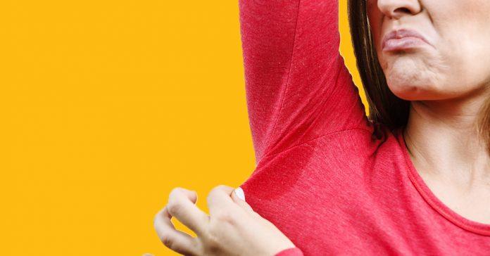 trucos para disimular las manchas de sudor banner 1