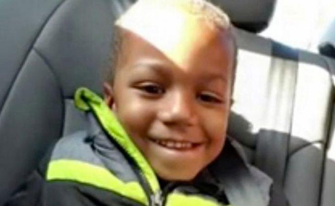 Una madre mata a su hijo de 4 años prendiéndole fuego en la bañera entre gritos