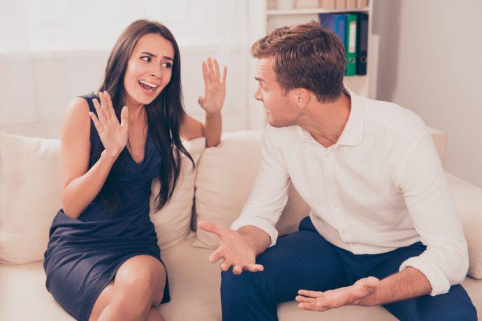 pareja discutir